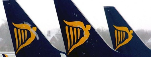 Ryanair 2 - Logo queue avion UNE communication