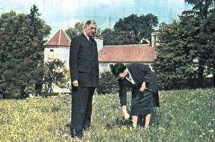 Un des rares clichés du général de Gaulle en vacances