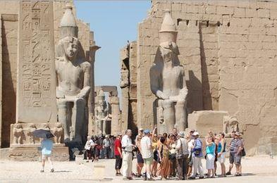 Le tourisme compte pour 15,2% de la balance commerciale égyptienne. 12,6% de la population active travaille dans ce secteur.