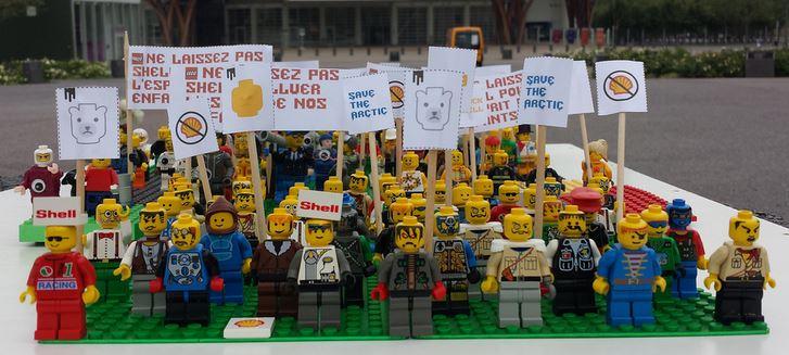 Lego - LEGOLUTION