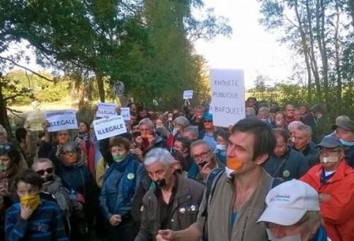 Roybon - manifestants anti